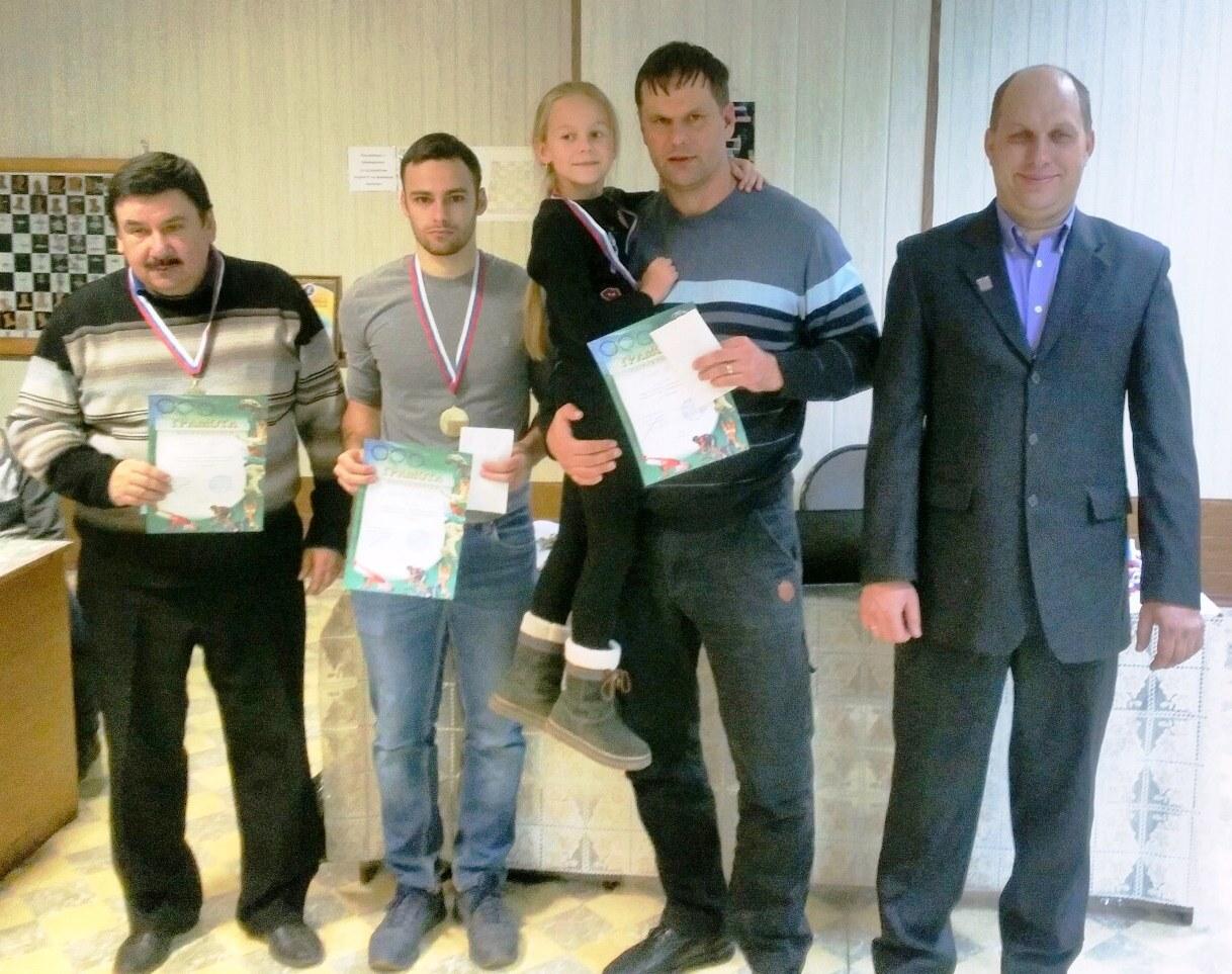 http://saratovchess.ru/files/5de908b4e601b6.43761572.jpg
